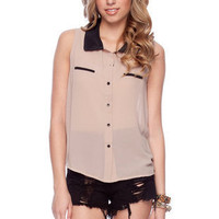 Contrast Collar Sleeveless Button Down Top in Mocha :: tobi