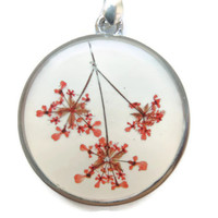 Queens anne's lace flowers pendant, pressed flowers in resin, Silver necklace, Red pendant, Floral charm