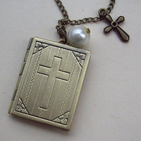 vintage style Bible book locked necklace victorian by qizhouhuang