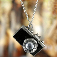 camera necklace Black by fenasd99321 on Etsy