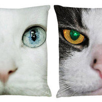 Kyle Lang Photography-Cat face closeup-Pillow set