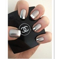 Sliver Lovely Bear and Crown Bottle Design Nail Polish [1709]