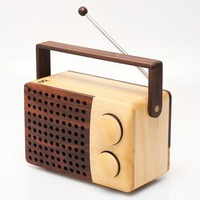Magno Wooden Radio at Poketo