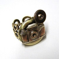 Steampunk Retro CAMERA Locket Ring by chinookhugs on Etsy