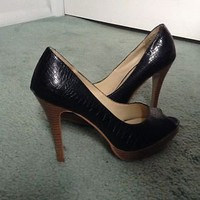 Shoes Woman&#x27;s Black Peep Toe Pumps Size 7, 4in Tall