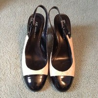 Anne Klein Shoes 7 Great Condition Leather Upper Sling back 