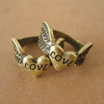 1pcs antique bronze love wing finger ring N044 by Alwynstore