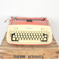 Vintage Typewriter by Royal // Mid Century Red by adVintagous