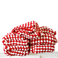Red and White Radiating Stripe Cotton Crochet by rocketandbear