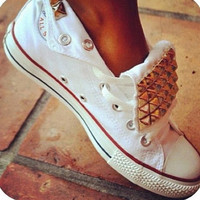 Lo pyramid studded converse