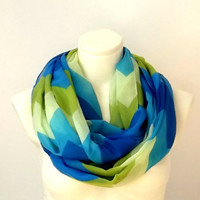 Infinity Scarf Zigzag Pattern Geometric Tribal Chevron Print Green, Turquoise, Marine, Chunky Spring Summer Colors