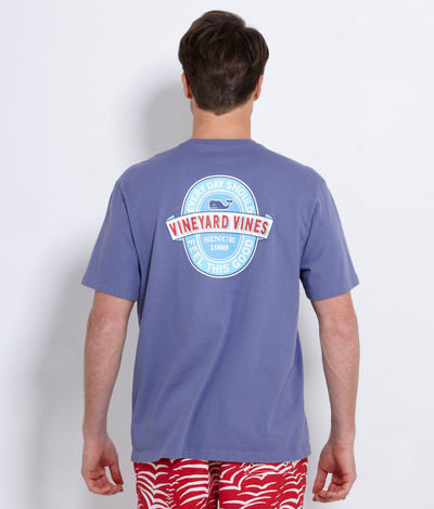 VINEYARD VINES CLOTHING. Let Vineyard Vines take you from work to play with comfortable, visually appealing men's casual clothing. The Vineyard Vines man has laid-back charm, and you'll feel relaxed and ready for anything when you choose shirts, pants and ties that fit your personality to a tee.