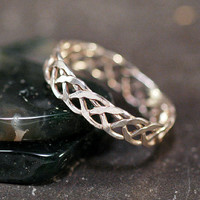 Open Weave Hammered Sterling Silver Ring  Size by unicornsgarden