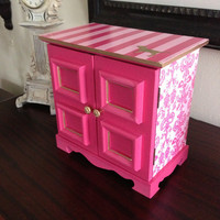 Vintage musical jewelry box upcycled in Victoria&#x27;s Secret Pink Inspired Theme
