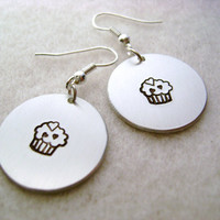 Metal Stamped Dangle Earring - Cupcake