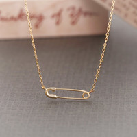 Simple Safety Pin Necklace  Gold // N032GD // Gold by CreaMellow