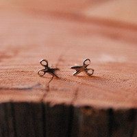 Old Hollywood - Tiny Scissor Studs