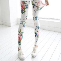 Stretchy Floral Print Cropped Leggings at Online Apparel Store Gofavor
