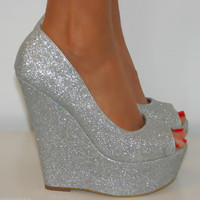 LADIES SIZE 4 SILVER GLITTER PEEP TOE WEDGE HIGH HEELS SLIP ON SHOE SANDAL PROM