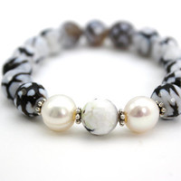agate bracelet beaded bracelet black and white bracelet by BeaKez