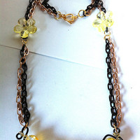 Yellow,clear, and black crackle glass squiggle necklace fade,ombre