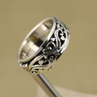 925 Sterling Silver Ring With Vine Embossment