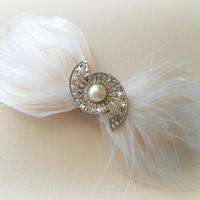 Prom Bow Hairclip, Feather Fascinator, Wedding Hairpiece, Champagne, White, Vintage Wedding, Art Deco