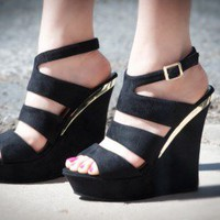 Lulifa-1 Black Strappy Platform Wedge - Shoes 4 U Las Vegas