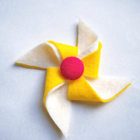Yellow and White Pinwheel Hair Clip with Pink by PosiesandPetals