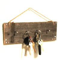 Wall Key holder - Reclaimed wood - Cabin Decor - Barnwood Key rack