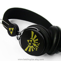 NEW Zelda headphones earphones handpainted Triforce by ketchupize