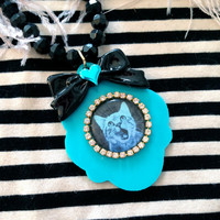 Blue Cat Large Cameo Beaded Necklace by imyourpresent on Etsy
