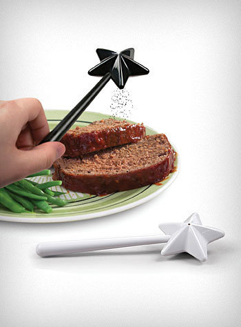 Magic Wand Salt & Pepper Shakers | PLASTICLAND