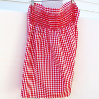 Vintage Apron,  Red Gingham Fabric, Red and White Checkered / Homemade / Hostess Apron