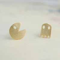 tiny gold tiny PacMan earrings by applelatte on Etsy
