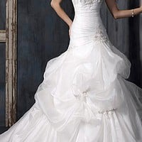 [187.77] Exquisite Charm Organza Pick-up Skirt Wedding Dress - Dressilyme.com