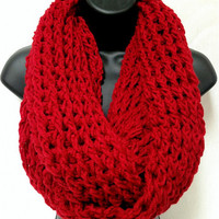 The Gentleman&#x27;s Crochet Infinity Scarf: Red