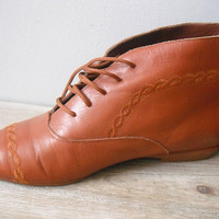 vintage butterscotch brown leather Granny Boots ... ankle boots ... indies hipster womens size 8 W