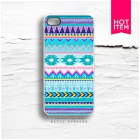 iPhone 4 and iPhone 4S case Tribal, Geometric Chevron Pattern C60