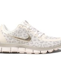 Nike Wmns Free 5.0 V4 Leopard - White Wolf Grey (511281-100) (5 B(M) US): Shoes