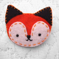 Orange fox pin, pinback button, felt brooch, fox brooch, broach