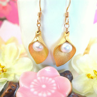 Gold calla lily pearl earrings