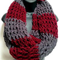 The Gentleman&#x27;s Crochet Infinity Scarf: Gray and Maroon