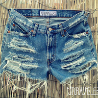 Levis Denim Shorts (SMALL-MEDIUM)