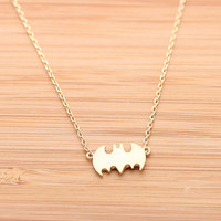 girlsluv.it - BATMAN necklace,(2colors)