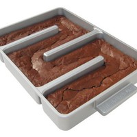 Baker&#x27;s Edge Nonstick Edge Brownie Pan:Amazon:Kitchen &amp; Dining