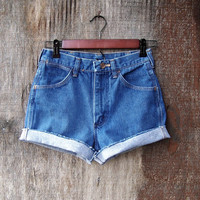 "Vintage Wrangler basic high waisted shorts 1990s100% cotton blue denim frayed cut offs womens juniors 26"" waist xs"