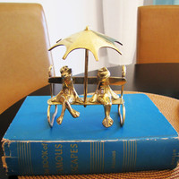 Brass FROGS under Umbrella Figurine. cake topper. frogs in love. frog collector
