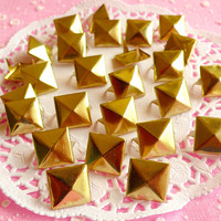 Rivet / GOLD Color Metal Pyramid Rivet Studs / Square Rivet 12mm (around 50pcs) for Cell Phone Deco / Leather Craft / Jean Button, etc RT06