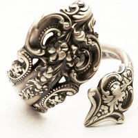 Vintage Spoon Ring, Grande Baroque Pattern by Wallace Sterling Silver Spoon Ring, Handmade in YOUR Size (4196)